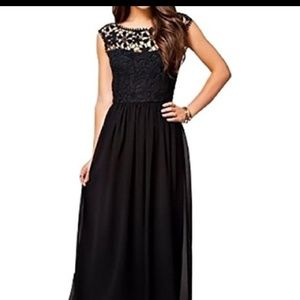 🔥20% off Maxi dress with low back